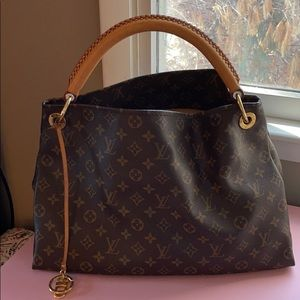 Authentic Louis Vuitton Artsy GM